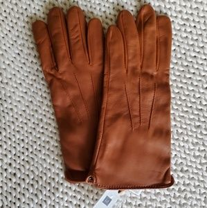 NWT Gap Leather Tech Gloves